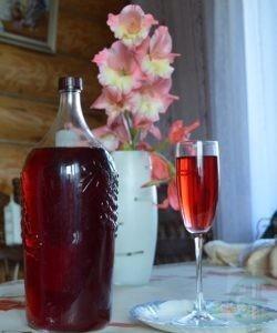"""Рецепт домашнего вина из смородины от ЛПХ """"Санчаро"""""""