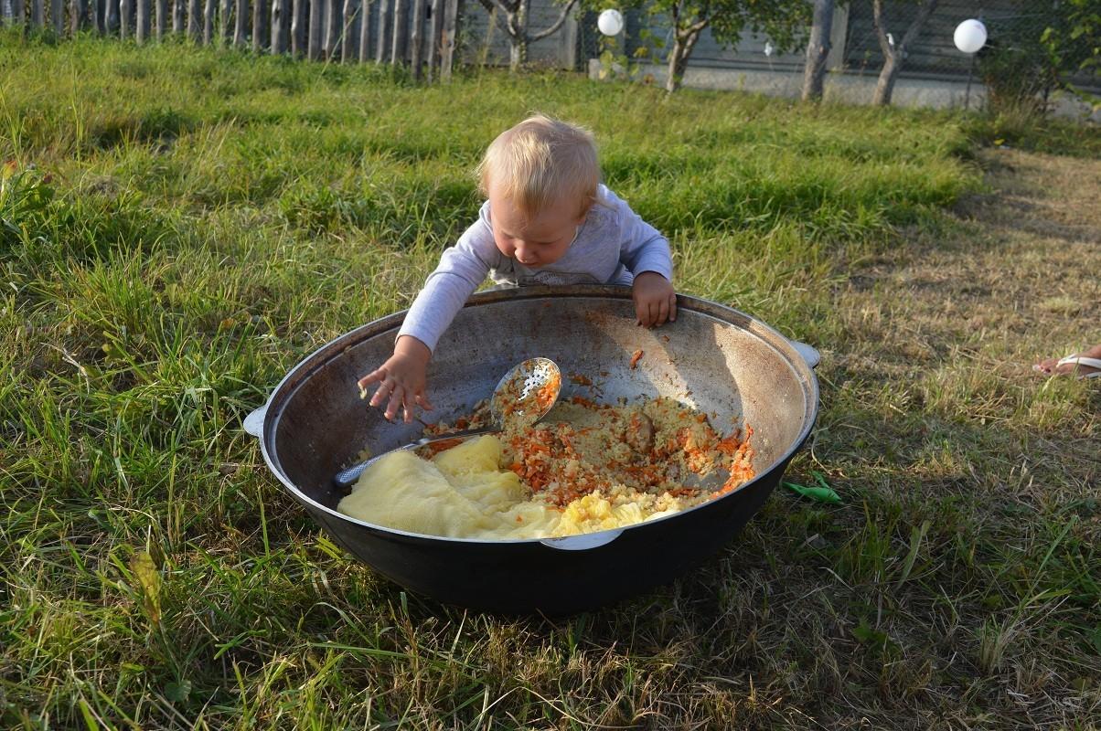 Фото любознательного ребенка