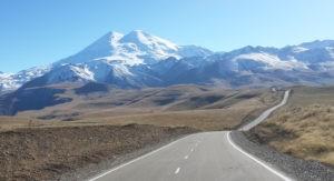 Эта ли дорога к счастью? Или всего лишь к Эльбрусу?