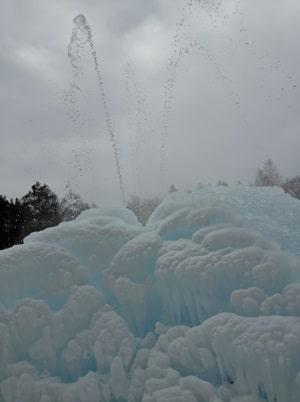 Судогодский природный фонтан зимой